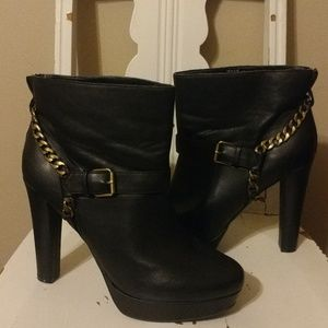 Heart Soul Cambria Bootie Size 10 (New With Box)